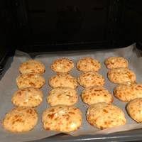 Τυροπιτάκια σε 5 λεπτάκια Muffin, Breakfast, Recipes, Food, Entertaining, Morning Coffee, Essen, Muffins, Eten