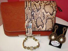Look da CACATUA. Bolsa, pulseira e brinco para valorizar o seu estilo.