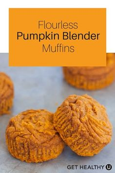 Prefect #ThanksgivingRecipe! This simple vegan pumpkin muffin recipe is just 115 calories per muffin. Just throw the ingredients in your blender and let it do all the work. Ready in 20 minutes, your entire kitchen will smell like pumpkin pie!: