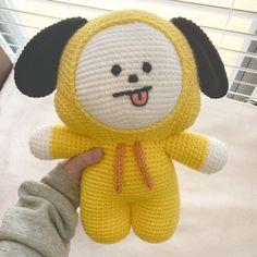 The cool lemonade of who is drinking, but not - wall Kawaii Crochet, Cute Crochet, Crochet Crafts, Crochet Projects, Knit Crochet, Crochet Case, Crochet Patterns Amigurumi, Crochet Dolls, I Love This Yarn
