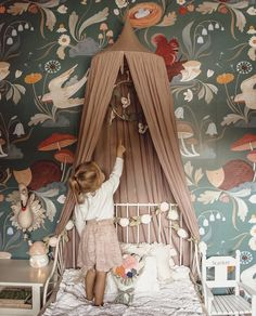 Trendy Kids Room Ideas For Girls Vintage Sweets Ideas Cool Kids Bedrooms, Kids Bedroom Designs, Baby Room Design, Kid Bedrooms, Bedroom Ideas, Nursery Ideas, Bedroom Decor, Kids Room Wallpaper, Wall Wallpaper