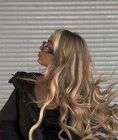 for-thegirlss Beauté Blonde, Blonde Hair Looks, Brown Blonde Hair, Light Blonde, Girls With Blonde Hair, Blonde Honey, Blonde Streaks, Hair Color Streaks, Medium Blonde