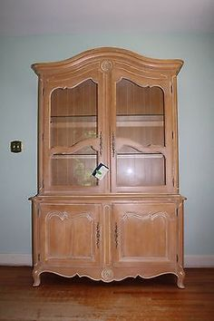 Ethan Allen Country French China Cabinet And Hutch Beautiful