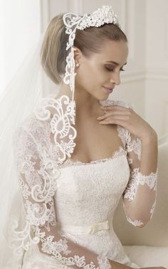 Pronovias 2015 Bridal Collections – Is this a tiara? White hair ...