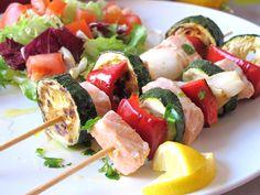 Brocheta de salmón y verduras