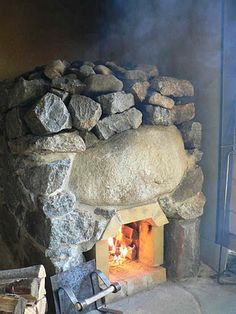 Sauna Wood Stove, Homemade Sauna, Sweat Lodge, Sauna Design, Fake Fireplace, Fire Ring, Rock Fireplaces, Wood Fired Oven, Garden In The Woods