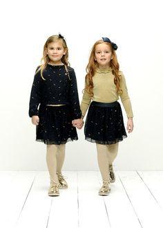 GIRLS WILL BE GIRLS! Deze vriendinnen gaan samen in 'style' de decembermaand in! Hoe tof zijn deze outfits! #lechic #dress #rok #jurk #feestdagen #kerst #blauw #fashion #kindermode #friends Spotlight, Chic, Outfits, Style, De Stijl, Seeds, Shabby Chic, Swag, Elegant