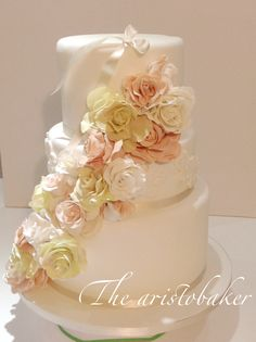 Roses fall wedding cake