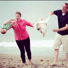 This proud couple. | 25 People Who Haven't Quite Figured Out Parenting Yet #videowhatsapp #compartirvideos