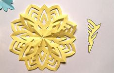 Dekoracje świąteczne z papieru. Gwiazdki i śnieżynki | Paper Art, Origami, Hollywood, Christmas, Therapy, Xmas, Papercraft, Origami Paper, Navidad