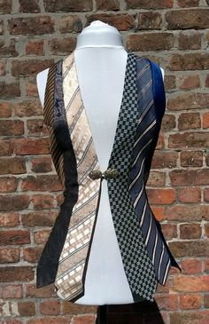 Upcycled Krawatten Weste Vintage Weste Damen Weste von beWe auf Etsy