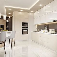 How To Incorporate Contemporary Style Kitchen Designs In Your Home Luxury Kitchen Design, Kitchen Room Design, Kitchen Cabinet Design, Luxury Kitchens, Home Decor Kitchen, Kitchen Living, Interior Design Kitchen, Home Kitchens, Modern Kitchens
