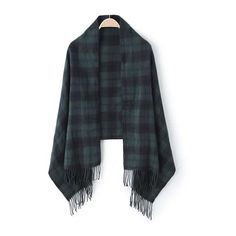 Plaid Fringe Green Scarf (222.300 VND) ❤ liked on Polyvore featuring accessories, scarves, green, green scarves, tartan plaid scarves, tartan scarves, fringed shawls and tartan shawl