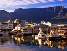 Cape Town is the second most populous city which is great to visit. Cape Town possesses a spectacular view of Table Mountain and beautiful Bloubergstrand Beach. Oh The Places You'll Go, Places To Travel, Travel Destinations, Places To Visit, Travel Things, Paises Da Africa, Skier, V&a Waterfront, Equador