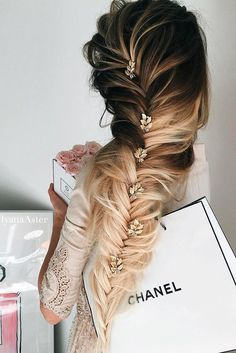 24 Chic Hairstyles for Prom to Let You Be Amazing It's better to consider hairstyles for prom that can take your beauty to the next level. No matter which image, a more romantic or more daring you pick, you can find an ideally fitting hairstyle in our photo gallery. http://glaminati.com/chic-hairstyles-for-prom/