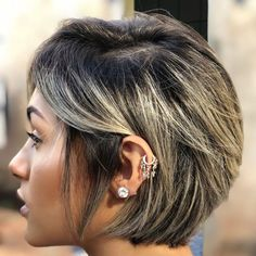 Apr long pixie with golden blonde balayage do you find yourse Pixie Bob Hairstyles, Straight Hairstyles, Layered Hairstyles, Easy Hairstyles, Bob Haircuts, Wedding Hairstyles, Blonde Highlights Short Hair, Blonde Balayage, Short Hair With Layers