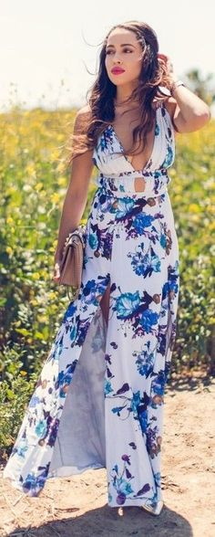 #spring #trends #fashionistas #outfitideas | White Floral Maxi Dress | A Keene Sense of Style