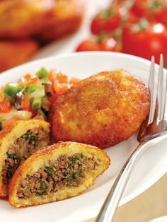 My favorite food in the whole wide wo… kubbat potato (Iraqi Cuisine potato chop).My favorite food in the whole wide world Middle East Food, Middle Eastern Dishes, Middle Eastern Recipes, Lebanese Recipes, Indian Food Recipes, Ethnic Recipes, Armenian Recipes, Iraqi Cuisine, Lebanese Cuisine
