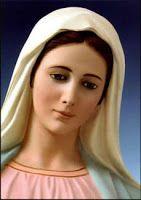 Palabras de Agua y Luz: María: Adoración vs. Veneración