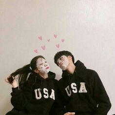 Image about love in Asian Couples by ʀᴏᴄᴋs✞ᴀʀ Korean Ulzzang, Ulzzang Boy, Cute Relationship Goals, Cute Relationships, Cute Korean, Korean Girl, Parejas Goals Tumblr, Korean Best Friends, Couple Goals Cuddling