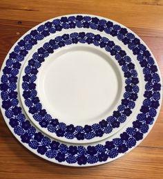 Midcentury Modern Arabia Finland Blue White Rypale 7 Inch & 9 Inch Salad Plates #Arabia