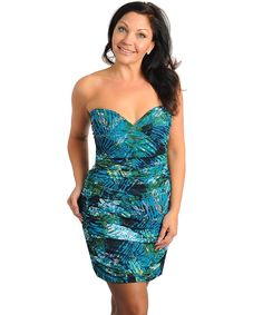 Plus Size For Only $31> Dollars and free shipping, you can get this beautiful dress.
