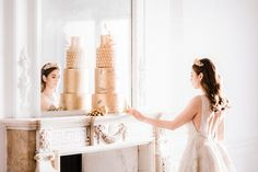 Pure romance that will make you weak in the knees due to its endless, soft modern romance wedding inspiration overload. 4 Tier Wedding Cake, Elegant Wedding Cakes, Romantic Weddings, Luxury Wedding, Gold Wedding, Wedding Day, Modern Romance, Pure Romance, Strictly Weddings