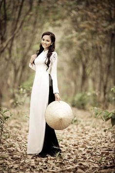 perfect and simple. i would and ao dai like this.