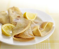 Try our quick and easy crepes recipe. Simple to prepare and ready to eat in no time at all. Makes 10 crepes. Ideal for kids of all ages Toddler Finger Foods, Healthy Toddler Snacks, Baby Food Recipes, Snack Recipes, Cooking Recipes, Family Recipes, Healthy Recipes, Crepes, Crêpe Recipe