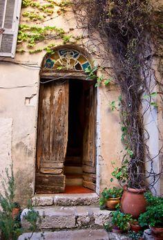 abriendo-puertas:    Monaco-Ville, La Condamine, Monaco.