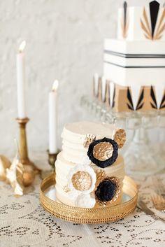 Sensational black and gold Art Deco wedding cake