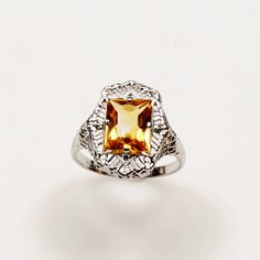 Vintage White Gold Filigree ring set with a Fancy Citrine | Gilt Jewelry