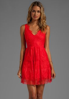 BCBGMAXAZRIA Sleeveless Lace Dress in Bright Poppy