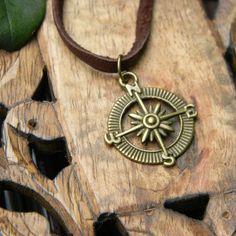 Mens compass necklace leather cord por SongbirdCabinDesigns en Etsy