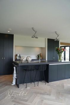New kitchen wall open 68 Ideas Classic Kitchen, New Kitchen, Kitchen Dining, Kitchen Grey, Timber Kitchen, Minimal Kitchen, Grey Kitchens, Home Kitchens, Living Room Interior