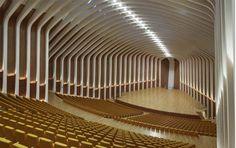 Image 3 of 24 from gallery of Palau de les Arts Reina Sofía / Santiago Calatrava. Photograph by Alan Karchmer Concert Hall Architecture, Theater Architecture, Futuristic Architecture, Contemporary Architecture, Interior Architecture, Building Architecture, Chinese Architecture, Santiago Calatrava, Auditorium Design