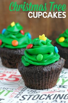 Aren't these the sweetest?  They are so easy to pull off which makes them great for Christmas party treats that will impress your guests.  There may even be declarations that you must be one of those pinterest people!   Chocolate cupcakes are great bases, try out the chocolate cake recipe found in my Rudolph the Red …