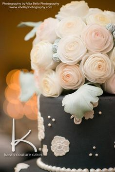 Learn to make these edible Wafer Paper Bouquet Roses for your next wedding cake. Wafer paper is easy to learn and quick to create flowers with. Fall in love with wafer at Kara's Couture Cakes!