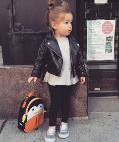 Style rock girl kids fashion 54 ideas for 2019 Toddler Girl Style, Toddler Girl Outfits, Toddler Fashion, Kids Fashion, Fashion Clothes, Cute Little Girls Outfits, Little Girl Fashion, Mode Junior, Noora Style
