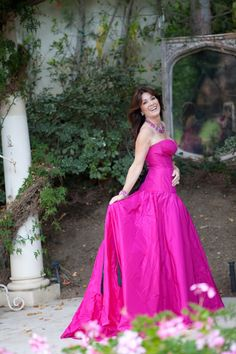 Lisa Vanderpump ~ ♥...on my must meet list for living life out loud, in style and in pink.