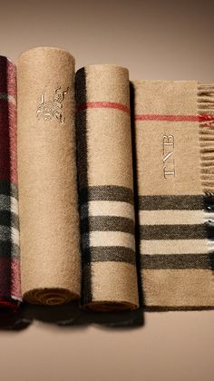 The Burberry heritage scarf in Scottish-woven cashmere ~ with monogram B Fashion, Fashion Fabric, Fashion Brands, Fashion Design, Burberry Gifts, Burberry Scarf, Luxury Branding, Branding Design, Ways To Wear A Scarf