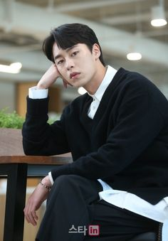 Drama Korea, Korean Drama, Asian Actors, Korean Actors, A Love So Beautiful, Joo Hyuk, Kdrama Actors, Man In Love, Lee Min Ho