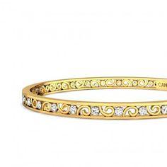 Ishita Diamond Bangle Jewellery Designs, Jewelry Patterns, Bangle Set, Bangle Bracelets, Matching Couple Bracelets, Gold Bangles Design, Diamond Bangle, Wedding Preparation, Pendant Set