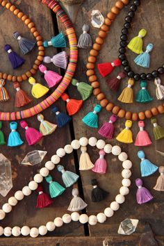Borlas pequeñas joyas caen los colores de por WomanShopsWorld