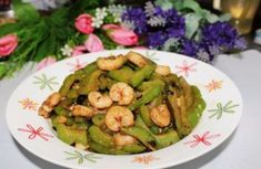 Stir fried bitter Gourd with shrimp and Fermented Soya Beans Raw Food Recipes, Cooking Recipes, Best Chinese Food, Bitter, Gourds, Stir Fry, Food Print, Shrimp, Fries