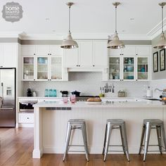 Shaker cabinets in this beautiful hamptons style kitchen for Federation kitchen designs