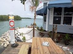 $650.00/weekly mobile home on water