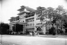 Moana Hotel, Waikiki, Hawaii (early 1900s)...built in 1901 and expanded in 1918.