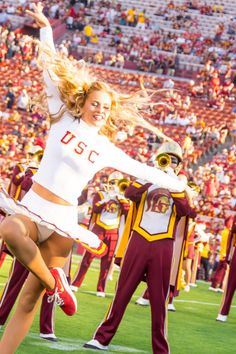 2 Use the navigation to continue with the article. College Cheerleading, Football Cheerleaders, Black Cheerleaders, College Sport, College Football, Christie Brinkley Bikini, Cheerleader Images, Cheerleader Girls, Cheerleading Pictures