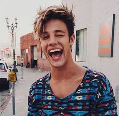 I LOVE CAMERON DALLAS